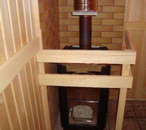 Срубы домов и бань - использование труб ПВХ.